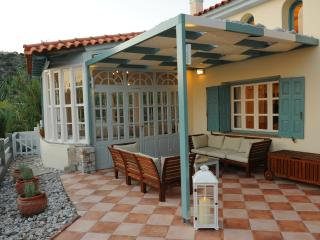 Beautiful 4 bedroom Villa in Ormos Koumeikon with Balcony - Ormos Koumeikon vacation rentals