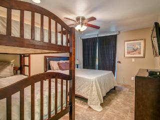Super House with 2 Bedroom, 2 Bathroom in San Diego (3750 Bayside Walk #04) - San Diego vacation rentals