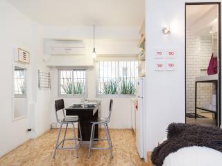 Shalom Aleichem 33 - Sea N' Rent - Tel Aviv vacation rentals