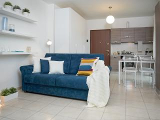 Bright Condo with Internet Access and Washing Machine - Sesto San Giovanni vacation rentals