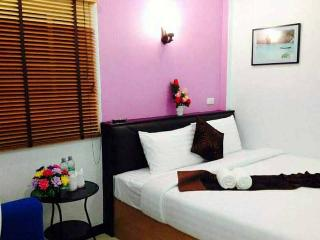 Bright 1 bedroom Condo in Huai Yot - Huai Yot vacation rentals