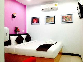 Romantic Apartment with Internet Access and A/C - Huai Yot vacation rentals