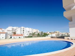 Santo Amaro, Centrally located 2 bedroom apartment - Lagos vacation rentals