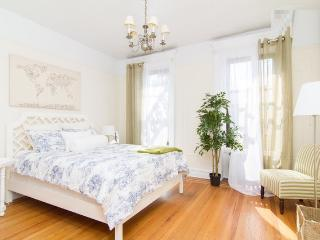 Steps to Union Sq. ~Sunny~Modern 1Bed~Close to all - New York City vacation rentals
