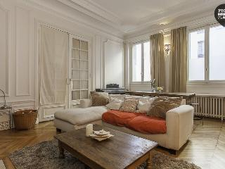 Bright Condo with Internet Access and Television - 18th Arrondissement Butte-Montmartre vacation rentals