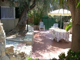 minicottage con terrazzo - Imperia vacation rentals