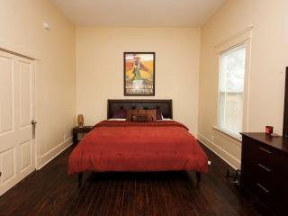 Cajun Hostel Cypress Master Room - Lafayette vacation rentals