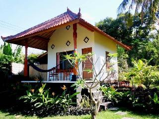 Bali Bungalow 2 with sea view and restaurant - Seraya Barat vacation rentals