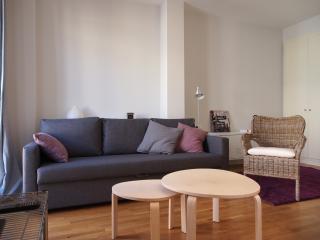 Sleep & Stay Sunny Apt Center Girona - Girona vacation rentals