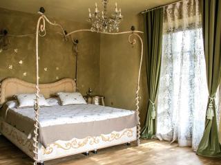 Le Stanze della Musica, B&B Alba Langhe Piemonte - Borgomale vacation rentals