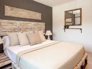 Enjoybcn Apartments - Charming apartment Camp Nou - Barcelona vacation rentals