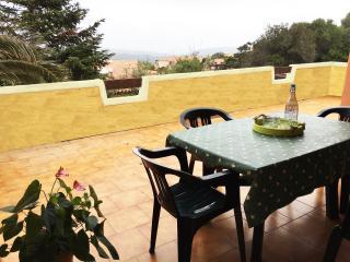 Casa Vacanza, ampia veranda con vista e posto auto - Santa Teresa di Gallura vacation rentals