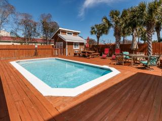 """Snowdrift Unit B"" Semi-private pool, private deeded beach access, Pet Friendly!! - Destin vacation rentals"