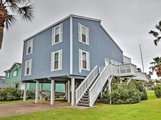 Low Summer Weekly rates!! Roomy & Cheerful 4BR Galveston House in Pirates Beach w/Wifi, Large Decks & Serene Views Facing the Water - Only a 2-Minute Walk to the Beach! Near Moody Gardens & Many Other Major Attractions! - Galveston vacation rentals