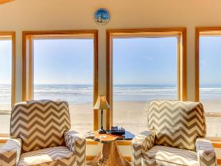 Charming oceanfront, dog-friendly house right on the beach! - Waldport vacation rentals