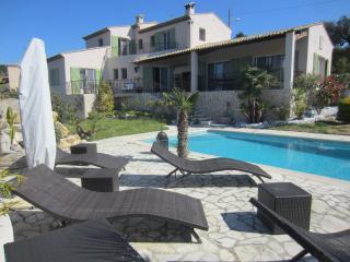 SUPERBE VILLA PISCINE - Nice vacation rentals