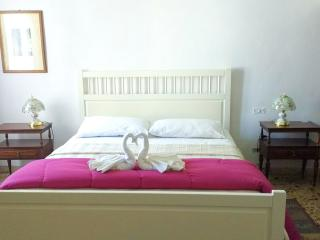 Luminous double or twin with French balcony - Florence vacation rentals