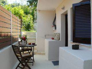 Villa Ava apartment 3 - Agios Gordios vacation rentals