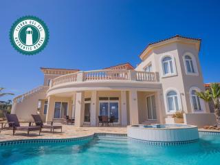 Paradise awaits you. Tierra del Sol 4BDR Estate - Arasji vacation rentals