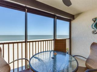 Sunset 704, 2 Bedrooms, Gulf Front, Elevator, Heated Pool, Sleeps 6 - Fort Myers Beach vacation rentals