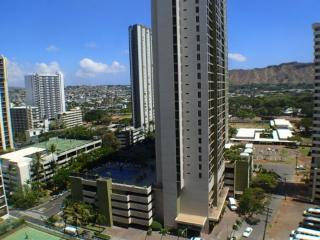 Popular Waikiki Banyan One Bedroom With Parking - Honolulu vacation rentals