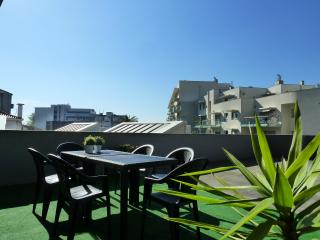 Parking & Terrace @ Boavista center - Porto vacation rentals