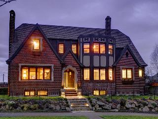 Nice House with Internet Access and Wireless Internet - Seattle vacation rentals