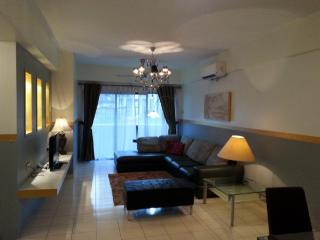 Harta8 Vacation Rental Bukit Bintang 4Rooms2Baths - Kuala Lumpur vacation rentals