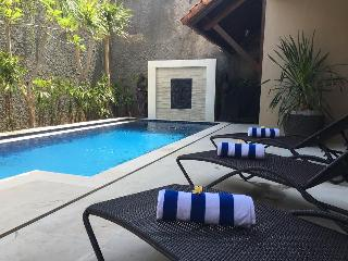 KUTA - 6 bedrooms, 6 bathrooms, Daily Bfast - sank - Kuta vacation rentals