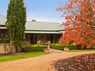 La Belle Vie Bundanoon - House on 5ac - Bundanoon vacation rentals