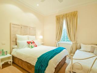 La Belle Vie Bundanoon - House on 5ac - Bundanoon vacation rentals