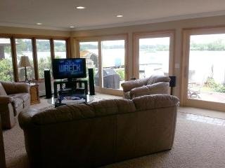 Only House Rental on Wayzata Bay, Lake Minnetonka - Wayzata vacation rentals