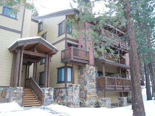 Luxurious Condo- Steps from the Village in Mammoth - Mammoth Lakes vacation rentals