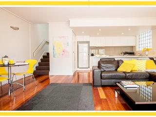 SOUTH YARRA -    POOL & TENNIS COURT - Melbourne vacation rentals