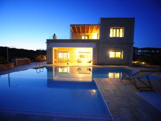 Nice Villa with Internet Access and A/C - Chorafakia vacation rentals