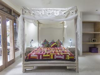 Angel House: Sandat Suite King bed+sofa bed (2 child) Boutique B&B Ubud - Ubud vacation rentals
