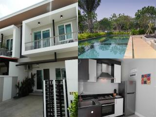 KK69 Lovely townhouse in town - Chiang Mai vacation rentals