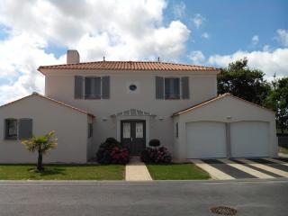 Villa Rubis 22 - Saint Gilles Croix de Vie vacation rentals