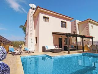 Lovely Villa with Parking and Grill - Kapparis vacation rentals