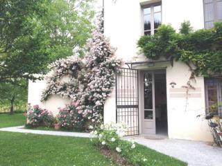 IL CASALE DEL GLICINE - Lucca vacation rentals