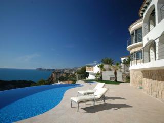 6 Bedroom Luxury Villa with stunning view - Javea vacation rentals