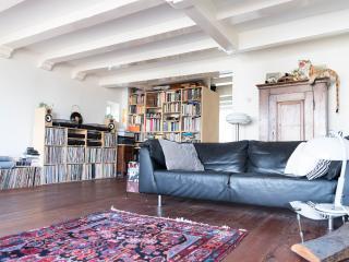 Amazing apartment on Nieuwmarkt  Amsterdam centre - Amsterdam vacation rentals