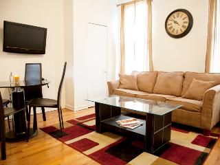 Comfy 1BR/1BA for 4 by Times Square - Midtown West - New York City vacation rentals