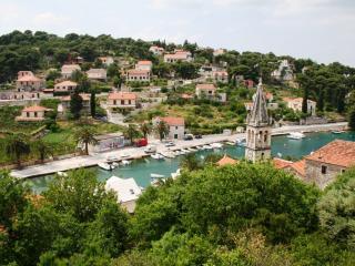 Lovely Villa Lavander with 4 separate apartments - Splitska vacation rentals