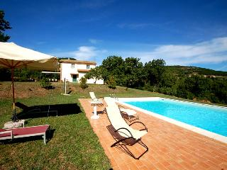 Detached house with private pool 2kms from village - Melezzole vacation rentals