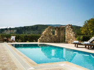 Bright Villa in Parisata with Dishwasher, sleeps 8 - Parisata vacation rentals
