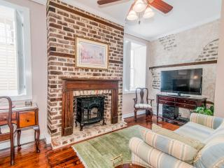 Perfect Location in Downtown Historic Charleston - Charleston vacation rentals