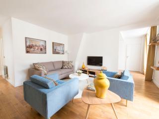 Nectar, 3BR/3BA, 8 people - Paris vacation rentals