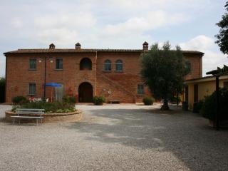 Casa Carlotta - Gli Stipiti. Foiano della Chiana - Foiano Della Chiana vacation rentals