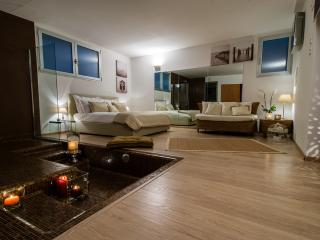 Gorgeous 1 bedroom Condo in Lesa - Lesa vacation rentals